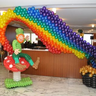 balloon sculpture leperchan rainbow