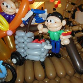 Balloon sculpture little people 5