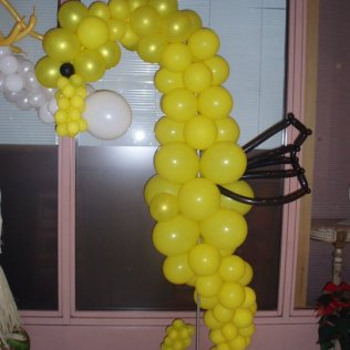 Balloon sculpture yellow fish